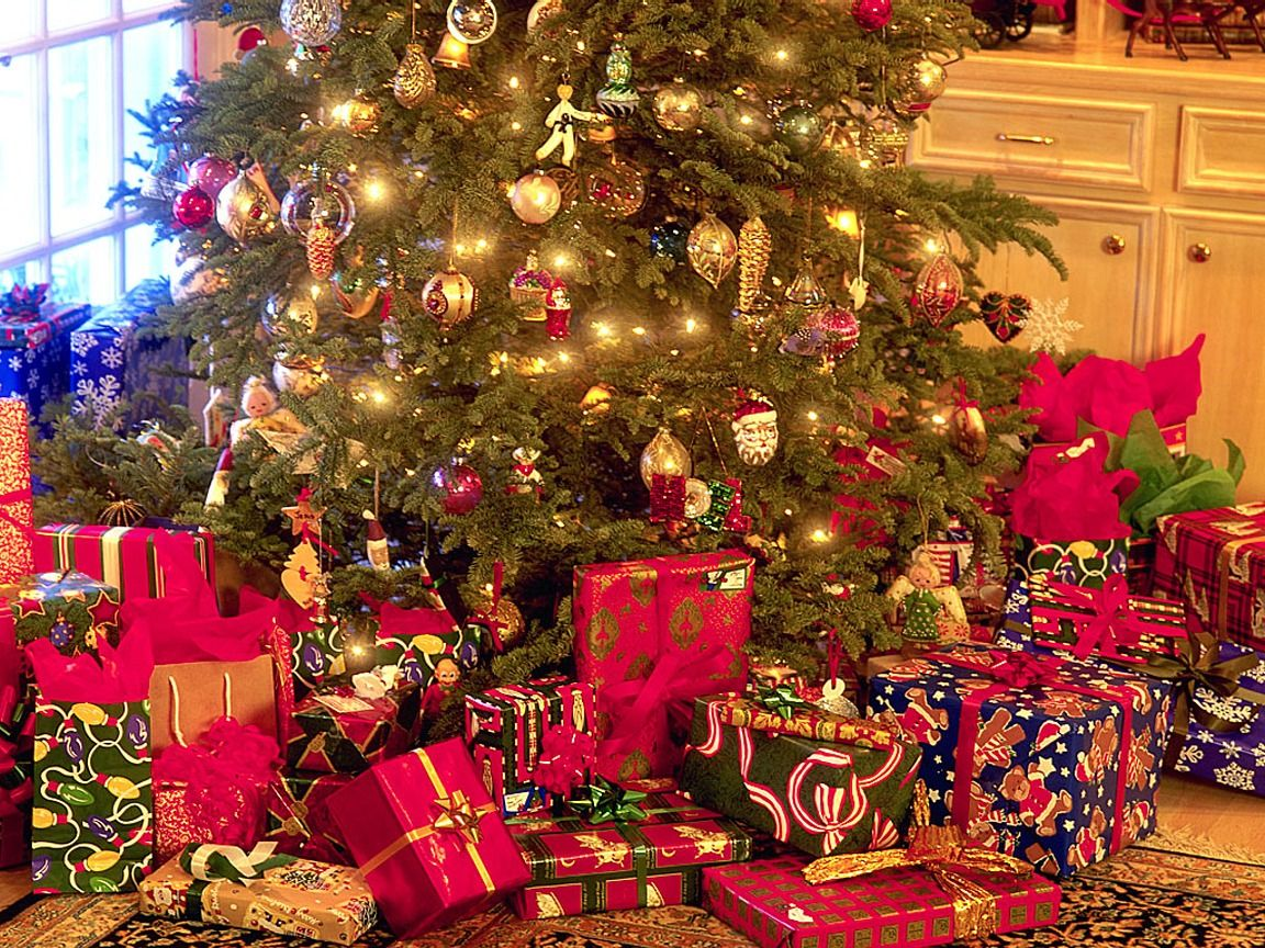 christmas gifts - How Many Gifts For Christmas